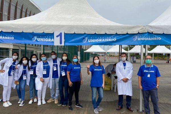 Unigranrio proporciona a seus alunos atividades sob a ótica da humanização da atenção à saúde. Vídeo reúne professor e alunos em depoimento sobre a importância da vacinação e do trabalho solidário em tempos de pandemia.