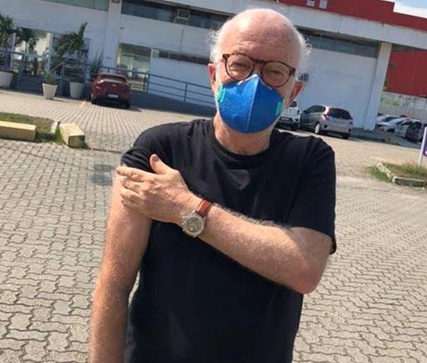 Édson Mauro, narrador esportivo da Rádio Globo e CBN-Rio, agradece 'às meninas da Unigranrio/Barra e ao profissionalismo do SUS'
