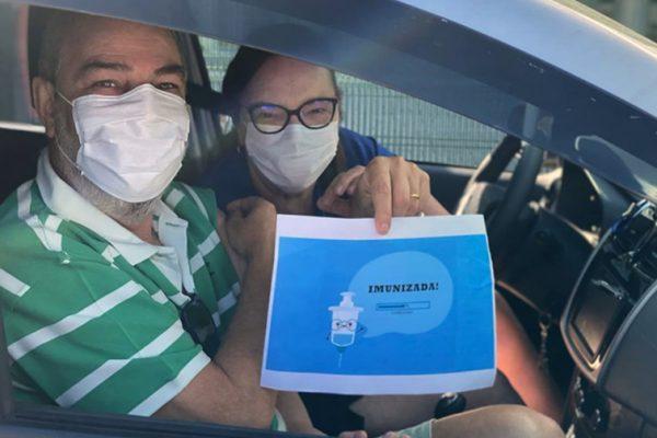 Neste último sábado, 100 acadêmicos e professores da Unigranrio imunizaram 2.219 pessoas contra a Covid-19, no Parque Olímpico e campus Barra