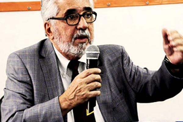 Josir Simeone Gomes, professor/doutor nos programas de mestrado e doutorado em Administração da Unigranrio