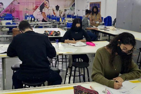 Segue mais uma reportagem para publicação no Portal - Unigranrio promove live sobre moda inclusiva, influência da China na moda brasileira e mudança de hábitos de consumo